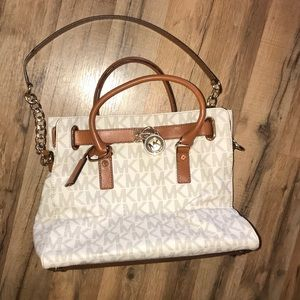 Authentic MICHAEL KORS purse!